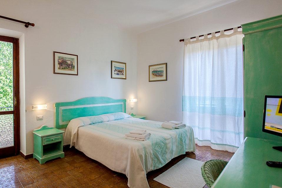 Capodanno 2018 a san teodoro hotel 3 stelle pacchetto 2 - Hotel jesolo 3 stelle con piscina pensione completa ...